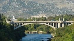 Tinejdžerka (15) pokušala da skoči sa mosta u Mostaru
