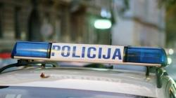 Vozač teretnog vozila sletio s ceste i poginuo