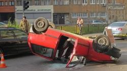 Prevrnuo se automobil u Sarajevu, tri osobe povrijeđene