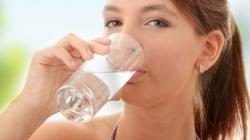 10 zlatnih pravila kako da pravilno pijemo vodu
