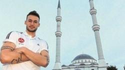 Njemački fudbaler prešao na islam: Ima sve – novac, žene, automobile, vile, ali…