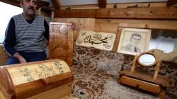 Od drveta pravi sve što zamisli: Omer Bešo zatvorski hobi pretvorio u jedini izvor prihoda
