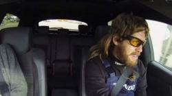 Pogledajte: Maskirani šampion Formule 1 kao ludi mehaničar