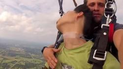 Mladić se onesvijestio tokom skoka s padobranom