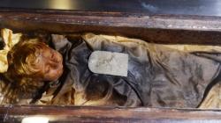 Djevojčica koja je umrla prije 100 godina i dalje otvara oči