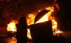 Protesti u Atini: Demonstranti zapalili na desetine automobila