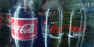Evo sta jedna Coca Cola radi tijelu u samo sat vremena?!