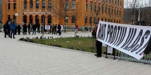 Mirnim skupom u Mostaru obilježena godišnjica protesta građana