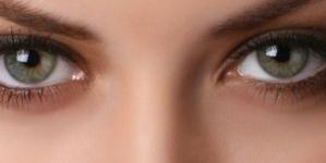 Najbolji prirodni sastojci za njegu područja oko očiju