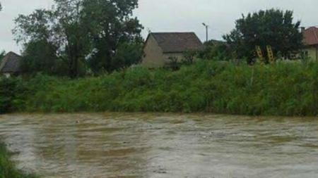 Brčko: Poplave ugrozile kuće u selima Rašljani i Islamovac