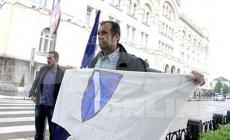 Sejfudin Tokić je nosio i državnu i zastavu Republike BiH