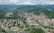 Tuzlanska kapija: Građani Srbije se upisuju u knjigu žalosti