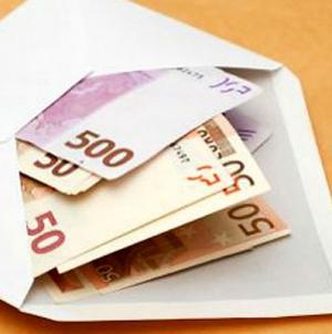 Prosječna plata u Francuskoj porasla na 2.474 eura