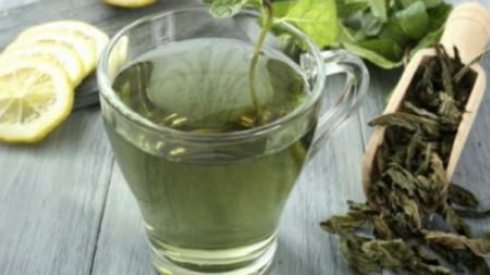 Zeleni čaj: Prirodno rješenje protiv pojačanog znojenja