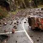 danas vozite vrlo oprezno ceste mokre i klizave odroni vrebaju na brojnim dionicama puta