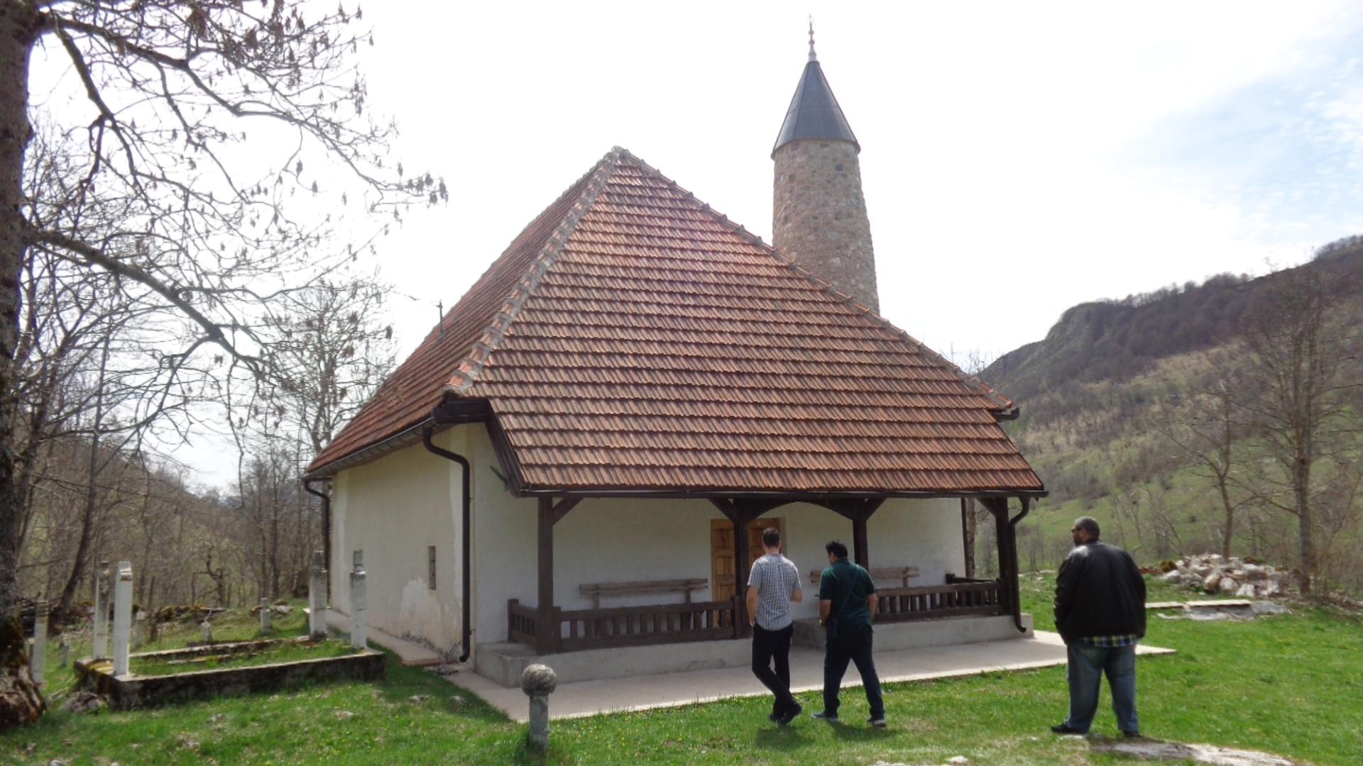 Džamija u Umoljanima postala turistička atrakcija