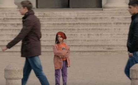 Šta biste vi učinili da vidite 6-godišnju curicu samu na ulici?