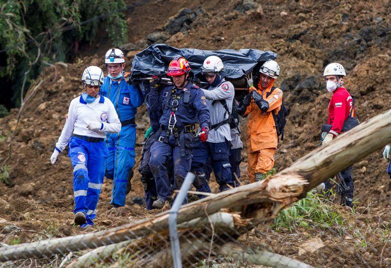 2016-10-26t203049z_956968201_s1aeujghjtaa_rtrmadp_3_colombia-mudslide