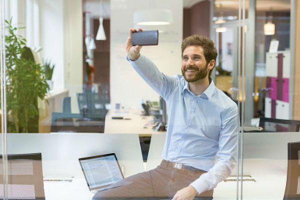 zaboravite na selfie novi model nokie donosi revoluciju u fotografisanju
