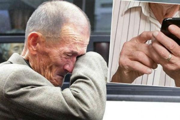 Image result for OTIŠAO STARAC U RADNJU MOBITELA, PITAO ŠTA MU JE S TELEFONOM Kad su rekli da je ispravan, zaplakao..