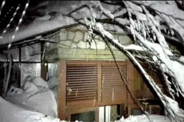 italija zemljotres pokrenuo lavinu zatrpan hotel u kojem se nalazilo 20 ljudi