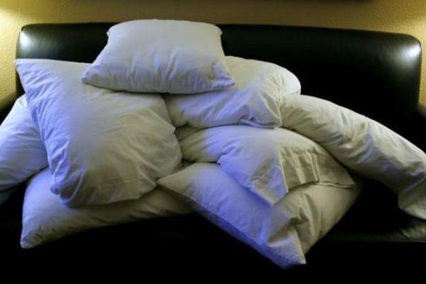 ako vi ili vase dijete cesto kasljete to je zbog ove odvratne stvari koja se krije u vasem jastuku evo sta morate odmah da uradite