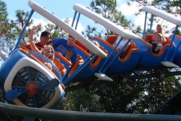 zabavni-park-pokusao-zataskati-slucaj-covjek-preminuo-nakon-voznje-roller-coasterom