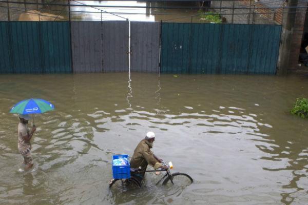 sri lanka poplave i klizista usmrtili 164 osobe