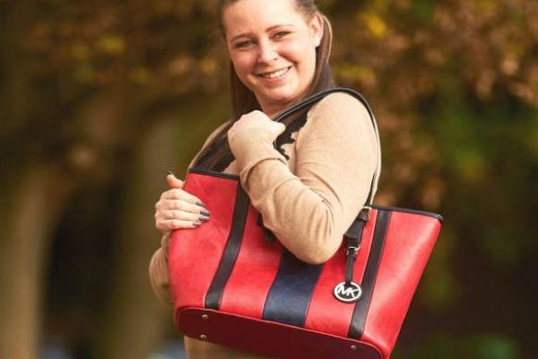 poklonio djevojci preskupu markiranu torbu i to joj je spasilo zivot