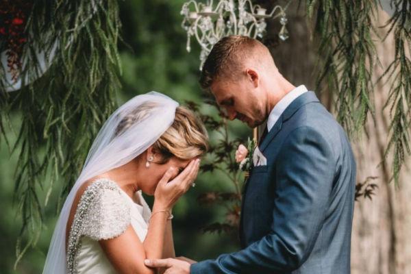 Image result for Imala je savršenu svadbu: Mlada zaplakala kada je čula ko će je vjenčati!