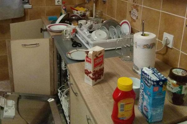 gosti iz pakla su mi unistili apartman nisu pustili niti vodu nakon velike nuzde