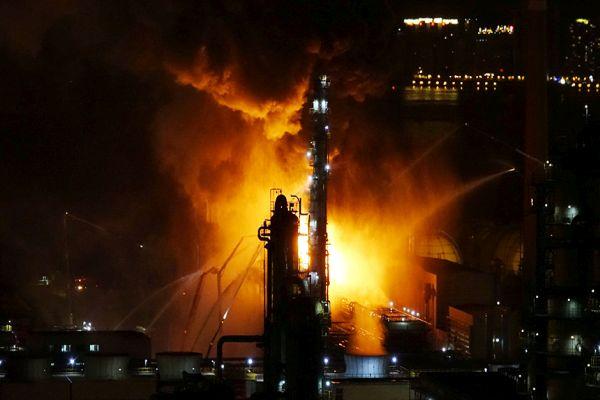 kina pozar u rafineriji gasilo 600 vatrogasaca