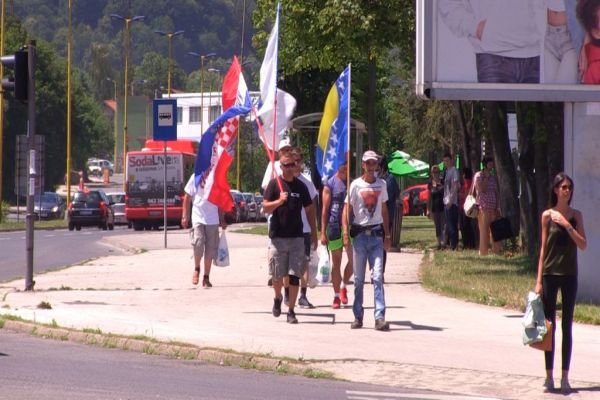 krenuo prvi mars mira srebrenica vukovar 2017