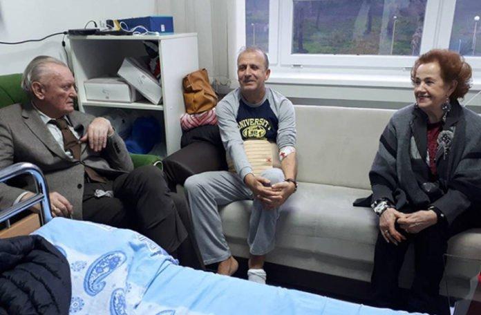 straus sa grbavice sa suprugom asimom posjetio malkocevica u bolnici