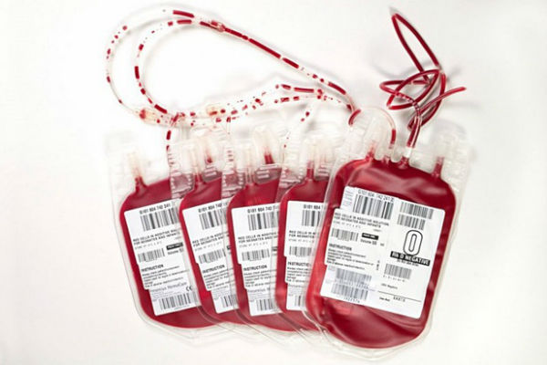 spajanje po krvnoj grupi atraktivne linije e-pošte za izlaske