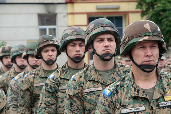 duzina trajanja profesionalne vojne sluzbe pomjerena do navrsenih 40 godina