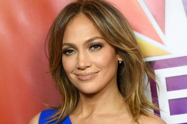 Bez šminke Bez Frizure Evo Kako Jennifer Lopez Izgleda Prije