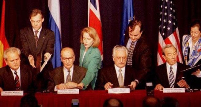 prije 22 godine zvanicno potpisan dejtonski sporazum