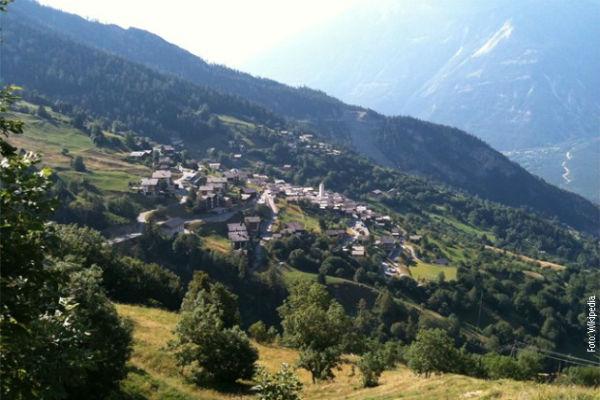 svicarsko selo namjerava da plati ljudima da dodu da zive