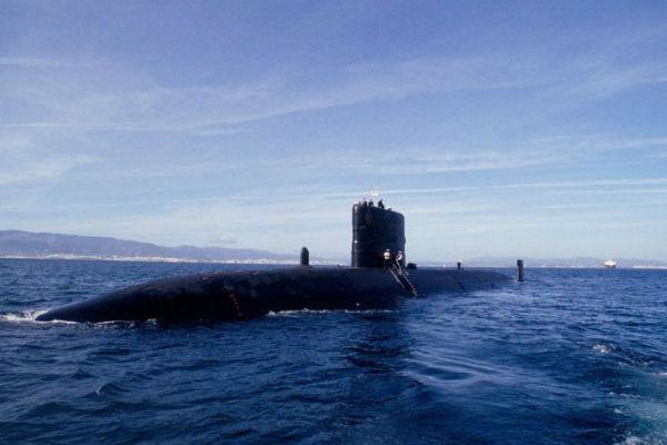 vremena je sve manje clanovi podmornice imaju kisika za jos dva dana potragu otezavaju snazan vjetar i valovi ali to nije najgora vijest