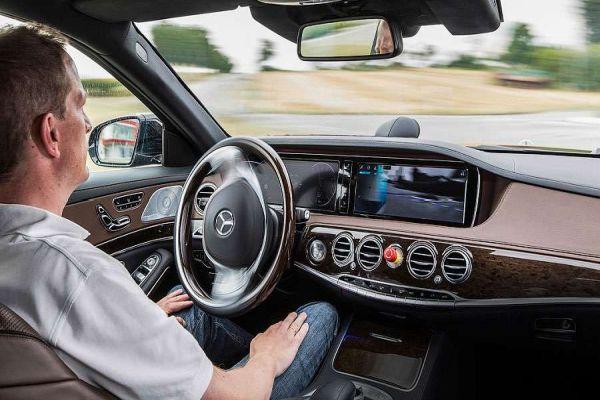 prvi automobili bez vozaca do 2021 godine u londonu