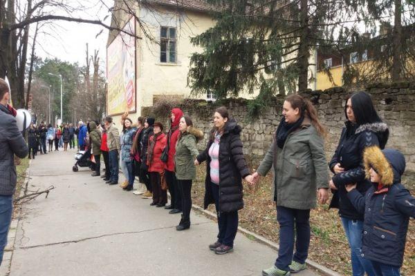 nezaposlene majke protestom u banja luci izrazile svoje nezadovoljstvo