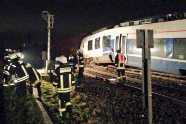 njemacka sudarili se putnicki i teretni voz najmanje 50 povrijedenih