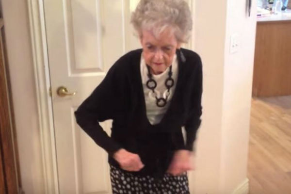 baki 90 unuk pustio omiljenu pjesmu a onda je nastao haos
