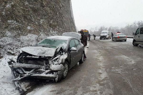 saobracajna nesreca na magistrali kod srebrenika u trostrukom sudaru povrijedeno pet osoba
