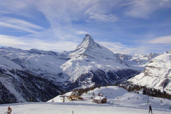 u podnozju svicarskog matterhorna blokirano 13 000 turista