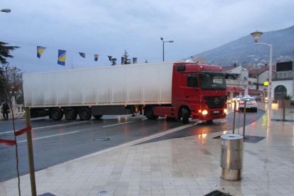 mostar teretnjak iz makedonije zaglavio na musali