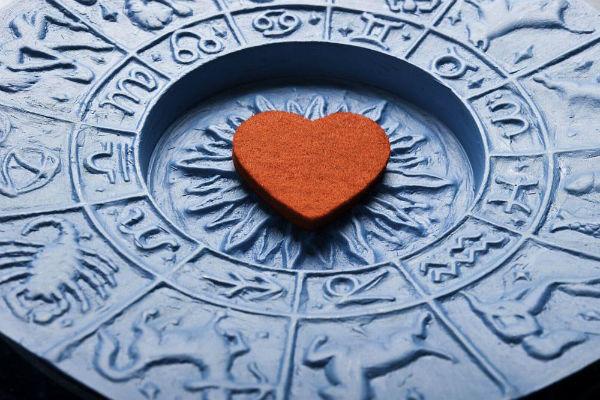"""Sedmični ljubavni horoskop: Kome slijede nova zaljubljivanja, a kome """"podgrijane"""" ljubavi (16.09-22.09.)"""