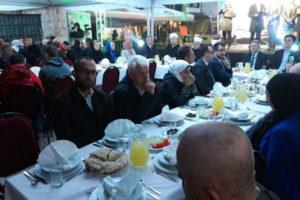 Više od 200 omladinaca se okupilo na iftaru sa reisu-l-ulemom Huseinom ef. Kavazovićem