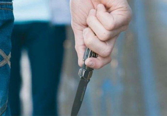 OPLJAČKANA KLADIONICA U MOSTARU: Radnici stavio nož pod vrat i tražio novac